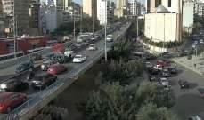 تصادم بين 3 مركبات على جسر الكولا باتجاه نفق سليم سلام وحركة المرور كثيفة
