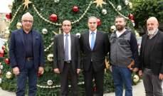 فرعون: شجرة العيد ترمز الى الحياة التي نريدها لأبناء بيروت