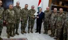 الرئيس عون تسلم توصيات مؤتمر مركز البحوث والدراسات الاستراتيجية بالجيش