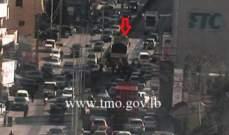 أعمال تزفيت محلة جسر الواطي باتجاه تقاطع السيدة- سن الفيل وحركة المرور كثيفة