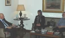 الحسيني استقبل السيدة رباب الصدر على رأس وفد من العائلة