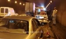 3 جرحى نتيجة تصادم بين سيارتين محلة انفاق المطار باتجاه بيروت