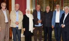 الحريري التقت وفدا من قيادة فتح في لبنان وضعها بأجواء اتفاق مخيم المية ومية