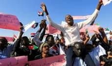 رويترز: قوات أمن سودانية بملابس مدنية تعتقل محتجين وسط الخرطوم