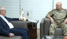 قائد الجيش بحث مع أسعد نكد في الأوضاع العامة في البلاد