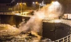 قتيل وعشرات المصابين بسبب إعصار