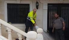النشرة: عناصر الدفاع المدني تعمل على رفع اضرار السيول في رأس بعلبك