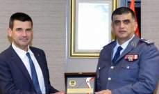 الأخبار: عثمان يعد بإنجاز ملف تشكيلات الضباط خلال شهرين كحدٍّ أقصى