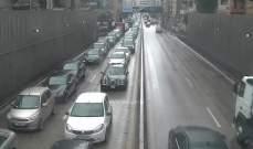 تصادم بين سيارتين داخل نفق سليم سلام باتجاه الوسط التجاري بيروت