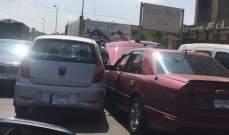 النشرة: حادث سير بين سيارتين في مدينة الميناء والأضرار مادية