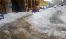 الدفاع المدني: العمل على إزالة الثلوج في قرطبا وإهدن وعلى طريق عام عنايا- مشمش