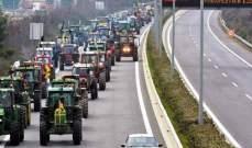 مزارعون يونانيون قطعوا الطرقات بنحو 600 جرار زراعي احتجاجا على أسعار الوقود