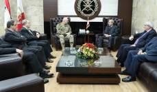 قائد الجيش بحث مع رابطة قدماء القوى المسلحة بأوضاع العسكريين المتقاعدين والتقى حمدان