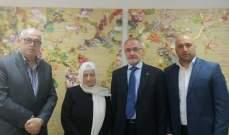 الحريري عرضت مع وفد نقابة المعلمين موضوع تطبيق القانون ٤٦ بمندرجاته