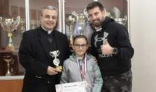 رئيس مدرسة الحكمة كرّم الفائزة في بطولة لبنان المدرسيّة في الجمباز