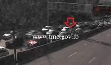 تصادم بين 3 سيارات على طريق عام اليرزة باتجاه الجمهور والاضرار مادية