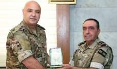 قائد الجيش بتكريم رئيس الأركان لمناسبة إحالته على التقاعد: ترك بصمات مشرقة في عمله