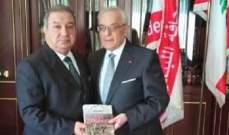الكعكي تسلم من فوزي زيدان كتابه الدولة المستباحة