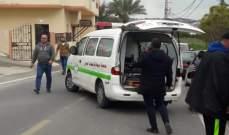 النشرة: جريح نتيجةحادث سير بين دراجة نارية وفان على طريق طورا