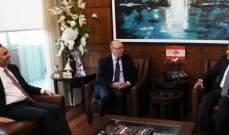 ابراهيم التقى وزير الدولة لشؤون الخارجية البريطانية وبحث معه موضوع النازحين