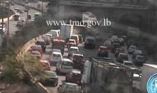 التحكم المروري:تصادم بين مركبتين محلة نفق نهر الكلب وحركة المرور كثيفة