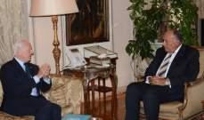 شكري أكد لدي ميستورا استمرار مساعي مصر الرامية إلى إرساء حل سياسي بسوريا