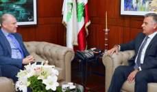 اللواء ابراهيم التقى السفير الاسترالي وبحث معه الأوضاع العامة