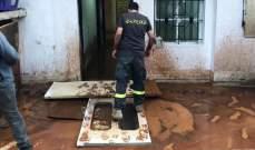 النشرة:الدفاع المدني أجلى 35 طفلا في الفاعور احتُجزوا داخل منازلهم بسبب السيول