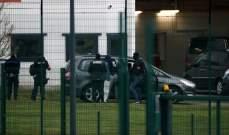 شرطة فرنسا تلقي القبض على سجين أقدم على طعن شرطيين خلال زيارة زوجته له