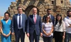 نائب رئيس البعثة في السفارة الأميركية شارك في مشروع صندوق السفراء للحفاظ على التراث الثقافي