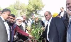 الخطيب يشارك في حملة زرع المليون شجرة من محيط النادي الشقيف في النبطية