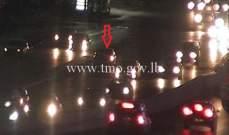 التحكم المروري: جريح بتصادم بين سيارتين أول جسر الدورة المسلك الغربي