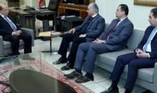 الرئيس عون تسلم دعوة من وفد من التقدمي لحضور حفل تكريم هولاند بالمختارة