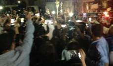 وصول شعلة النور المقدس إلى عكار واستقبال حاشد لها في ساحة منيارة