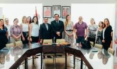 فوشيه عرض مع رئيس رابطة كاريتاس نشاطاتها ومشاريعها
