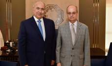مخزومي عرض مع سفير اسبانيا الاوضاع الاقليمية والدولية