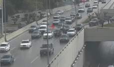 تصادم بين مركبتين على اوتوستراد الصياد باتجاه بيروت والاضرار مادية