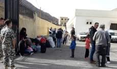 النشرة: بدء تجمع نازحين سوريين بنادي شبعا للعودة لسوريا عن طريق المصنع