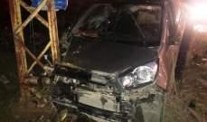 أربعة جرحى جراء اصطدام سيارة بعمود للكهرباء في محاذاة طريق عام بدنايل