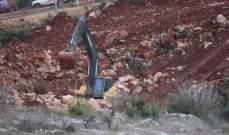 النشرة:جرافة اسرائيلية تقيم سواتر ترابية مقابل ميس الجبل
