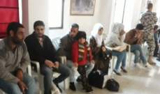 النشرة: تجمع عدد من النازحين بالنبطية بانتظار وصول الحافلات لنقلهم الى سوريا