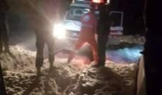 انقاذ 3 أشخاص احتجزوا داخل سياراتهم بسبب تراكم الثلوج في جرد الضنية