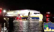 طائرة بوينغ 737 على متنها 136راكبا تهبط اضطراريا في نهر بولاية فلوريدا