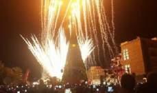 إضاءة زينة الميلاد في الشارع الروماني في جبيل