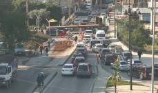 التحكم المروري: سقوط حمولة شاحنة في انطلياس وحركة المرور كثيفة
