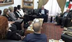 الناشف التقى محافظ الجنوب ورئيسة مؤسسة رعاية أسر الشهداء