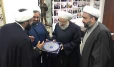 الشيخ ماهر حمود يستقبل وفداً إيرانياً ويتلقى إتصالاً من الزهار