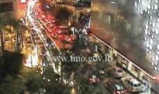 التحكم المروري: حركة المرور خانقة على جادة شارل مالك وجريح صدما عند مستديرة المدورة