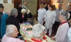 القوات في جزين عايدت الأمهات في مركز دار مار الياس للمسنين