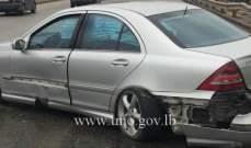 اصطدام سيارة بالفاصل الوسطي على اوتوستراد الرئيس الهراوي والاضرار مادية